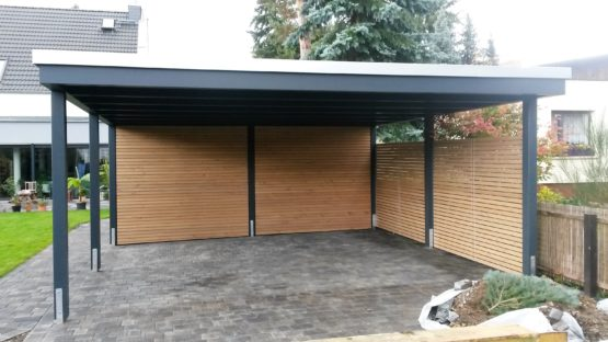 beispiele moderner doppelcarport carporthaus. Black Bedroom Furniture Sets. Home Design Ideas