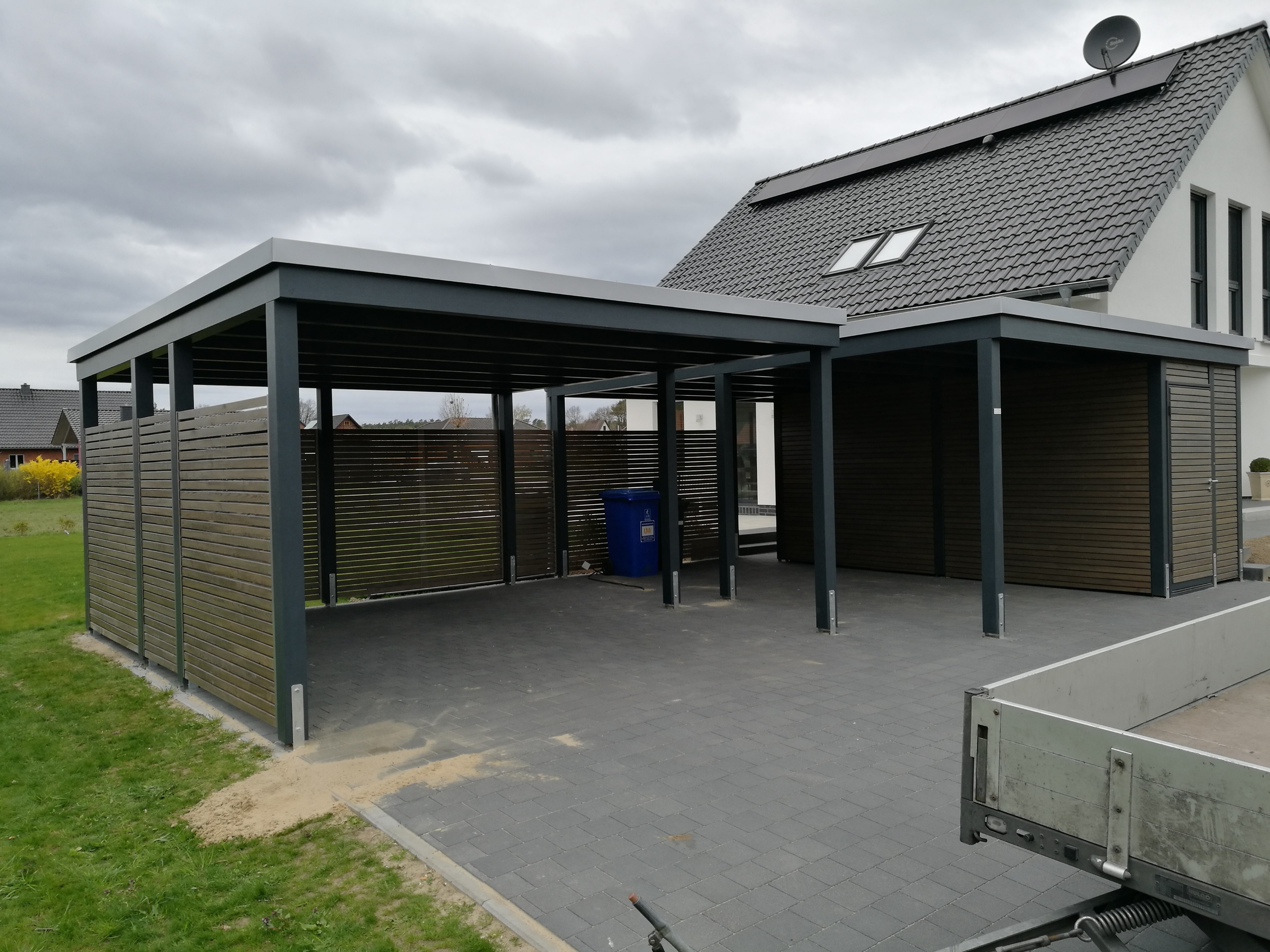 garage mit abstellraum great carport garage abstellraum. Black Bedroom Furniture Sets. Home Design Ideas